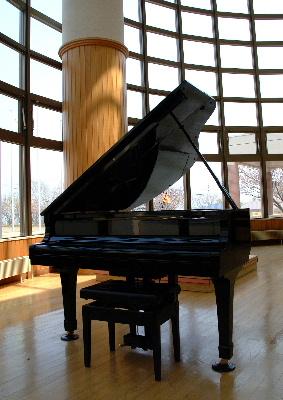 080701-piano.JPG